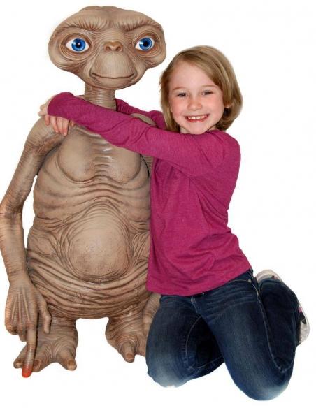 E.T. l´extra-terrestre réplique poupée E.T. Stunt Puppet 91 cm taille comparaison