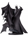 Batman Black & White statuette Deluxe - Batman by Todd McFarlane (Version 2.0)