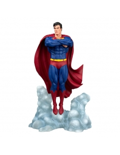 DC Comic Gallery statuette Superman Ascendant